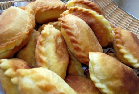Пирожки со шкварками