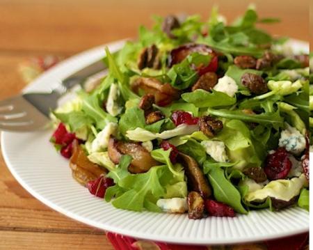 Грушевый салат с заправкой из шампанского и меда