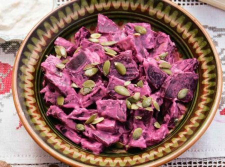 Салат из свеклы с тыквенными семечками